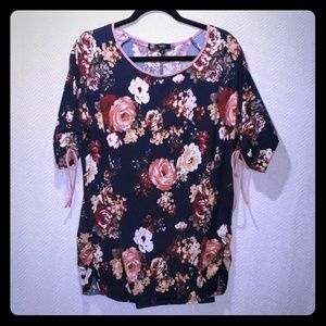 4/$24 - Floral Maternity Shirt SZ XL